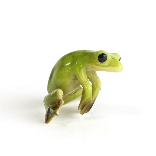 Green Tree Frog Ledge Hanger